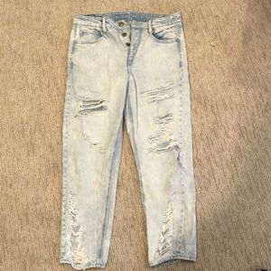 American eagle light wash boyfriend jeans